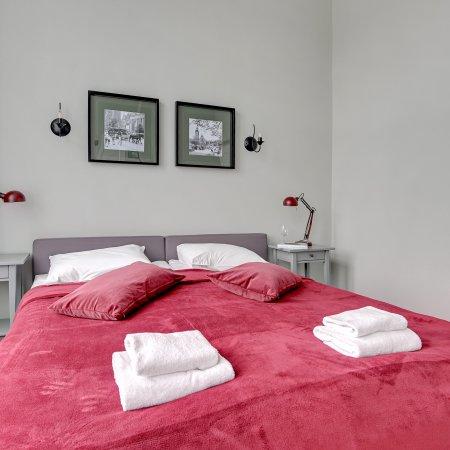 Apartament ul. Św. Ducha 45/47 m.6, 2 Sypialnie + Salon