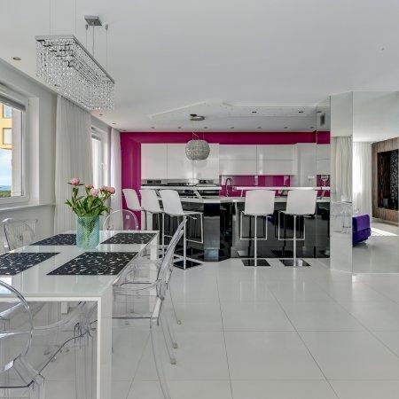 Apartament ul. Obrońców Wybrzeża 23/139, Sypialnia + Balkon