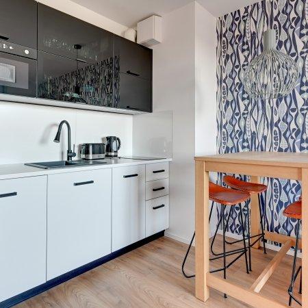 Apartament ul. Chmielna 73b/64, Sypialnia + 2 Balkony, Widok na rzekę