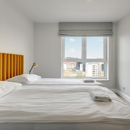 Apartament ul. Wałowa 25B/79, 4 Sypialnie + Balkon