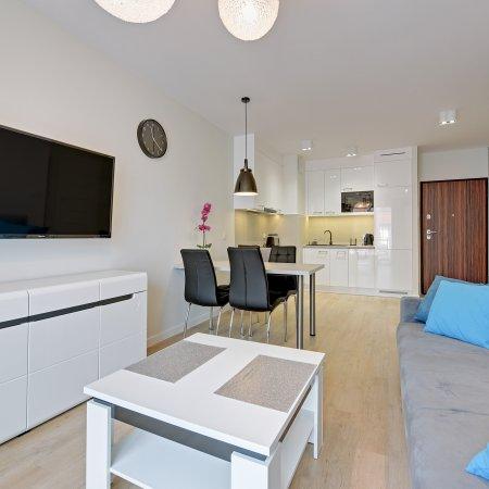 Apartament ul. Chmielna 73A/38,  1 Sypialnia, Balkon
