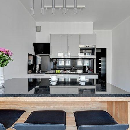 Apartament ul. Długa 6/8 m. 6, 3 Sypialnie + Salon z aneksem kuchennym, Stare Miasto