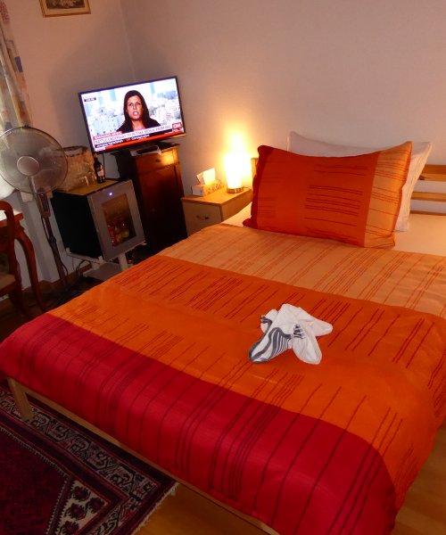 Zimmer zur Einzelbenutzung mit Gemeinschaftsbad