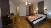 Pokój 2 osobowy z 1 podwójnym łóżkiem i prywatną łazienką