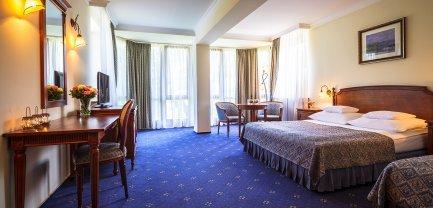 Pokój 2-osobowy z dostawką (łóżko małżeńskie i pojedyncze)