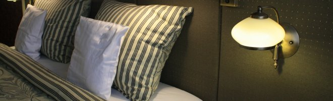 Komfortzimmer mit einem großen Bett für 1 oder 2 Personen im Zimmer - Frühstück im Preis inbegriffen