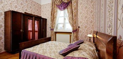 Apartament w Pałacu - z salonem