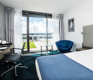 SUPERIOR DOUBLE/TWIN ROOM WITH LAKE VIEW