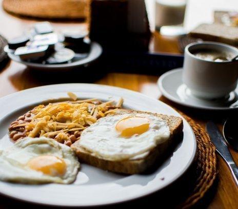 HOT DEAL (najtańsza oferta) ze śniadaniem