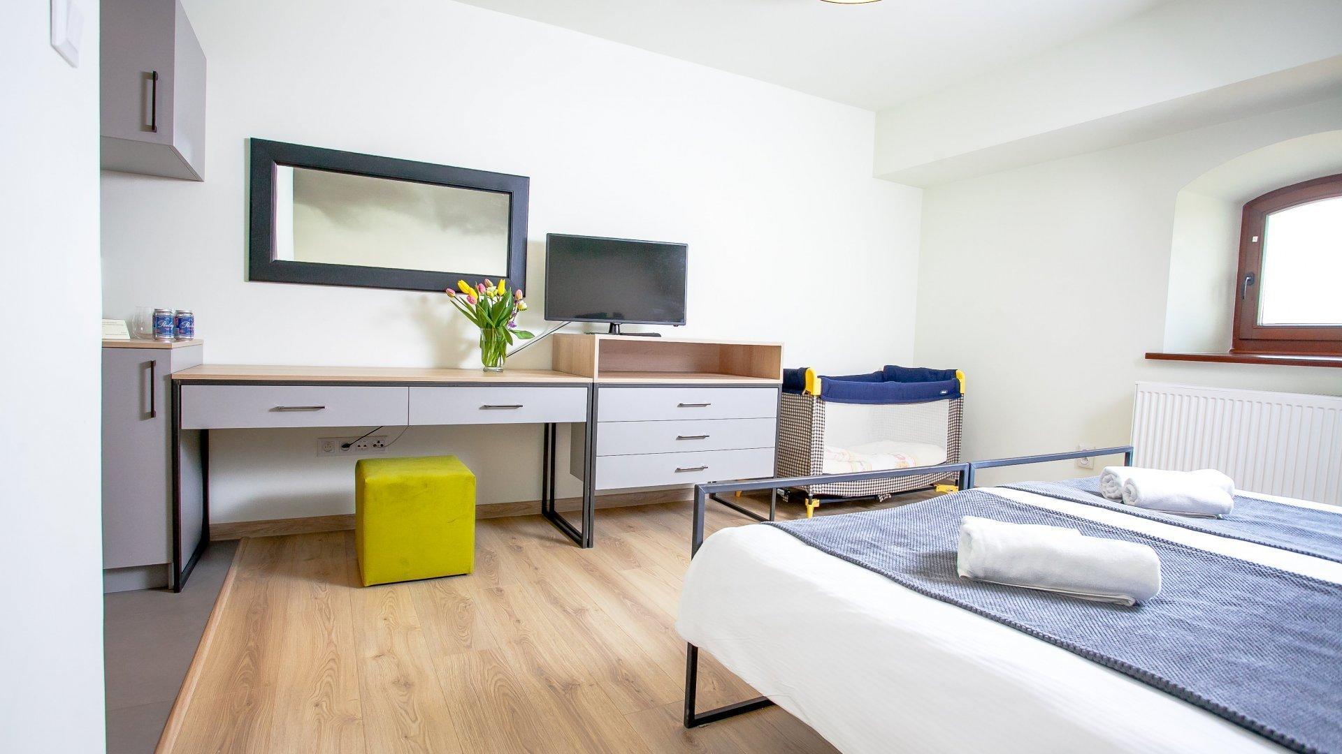 Pokój rodzinny(2 osoby dorosłe + 1 dziecko)
