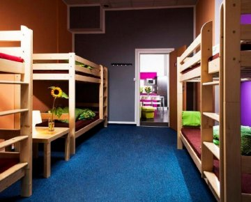Eight-bed room - Absynt Hostel