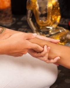 Die hinduistische Haatabhanga Massage