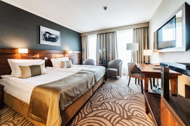 Double Room Business