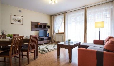 Apartament z dwiema sypialniami i balkonem
