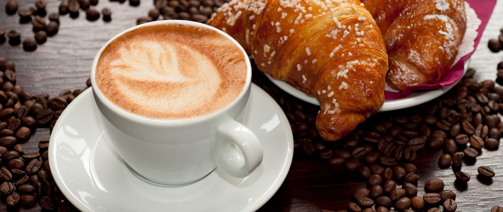 Angebot mit  Frühstück