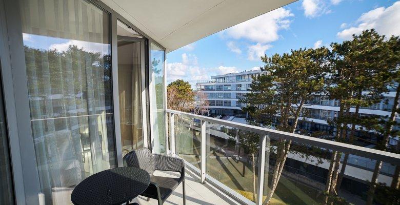 Apartament B420 z jedną sypialnią (boczny widok na morze)