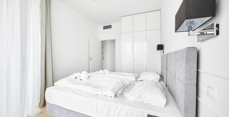 Apartament C403 z jedną sypialnią (boczny widok na morze)