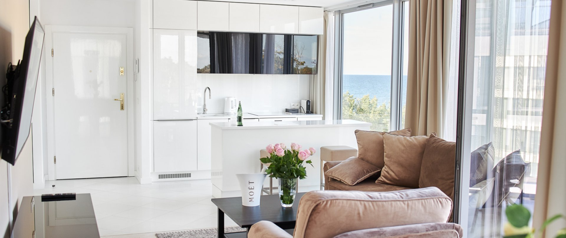 One-Bedroom Apartment no B401 (Side Sea View)