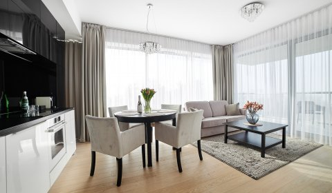Two-Bedroom Apartment no C414 (Sea View)