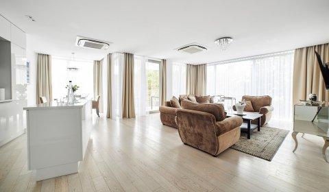 Two-Bedroom Apartment no B216 with a view of dunes and a sea view