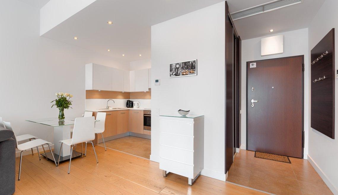 Apartament z 1 sypialnią 2.05 A z bocznym widokiem na morze