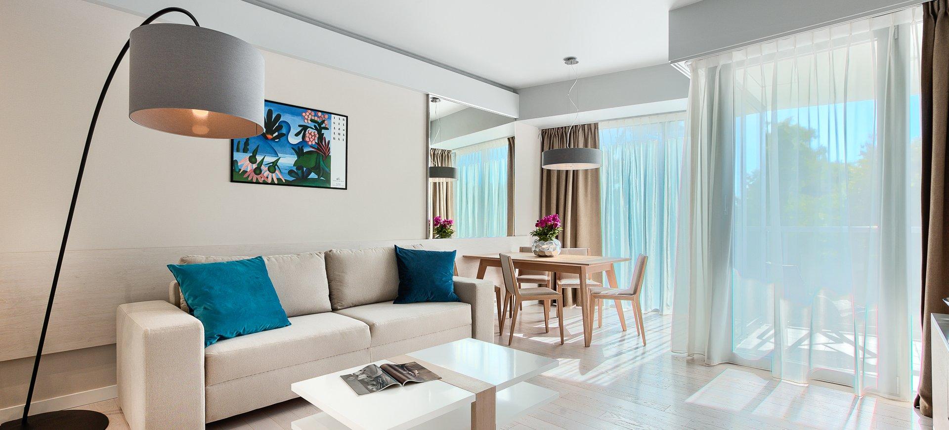 Apartament Deluxe z 1 sypialnią 2.05 B z bocznym widokiem na morze