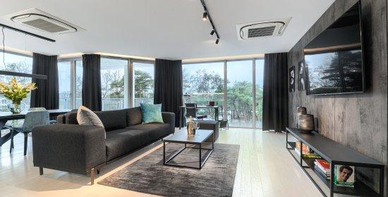 Apartament Grand 3.02 B z 2 sypialniami i bocznym widokiem na morze