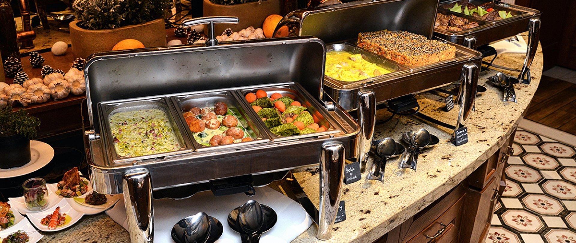 Zacznij pobyt w niedzielę ze zniżką do 50% | Obiad w formie bufetu w cenie