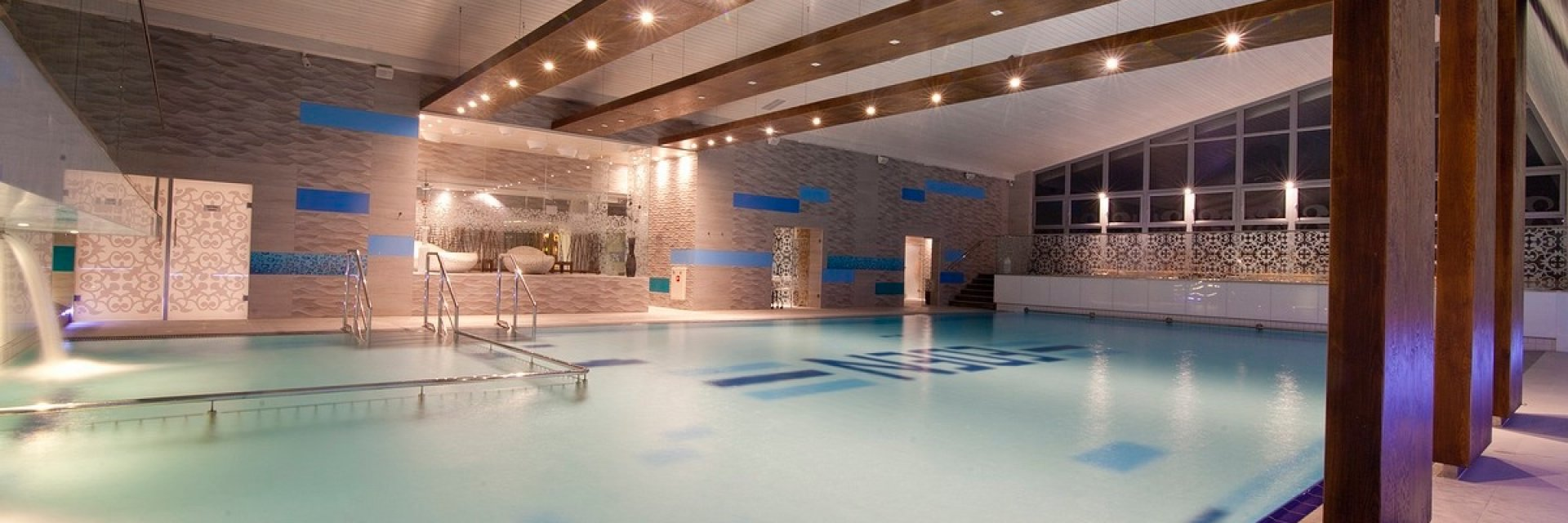 DWA  POKOJE  dla jednej  rodziny w super cenie! Wygodne Pokoje Hotelowe - obiekt z krytym basenem! Pakiet Rodzinny 2+2