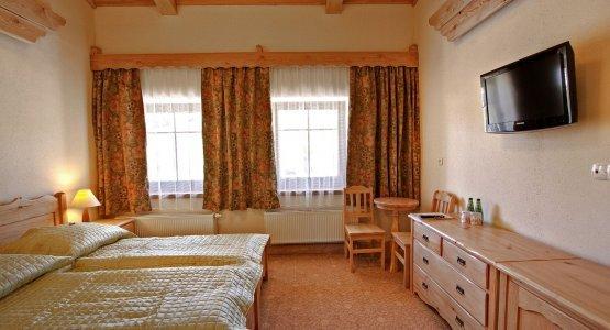 https://r.profitroom.pl/hotelbaniathermalski/images/rooms/thumbs/555x300/201602091027140.2zielony_szalas_20_3_.jpg