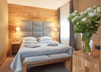 Pokój z łóżkiem małżeńskim LUX ***