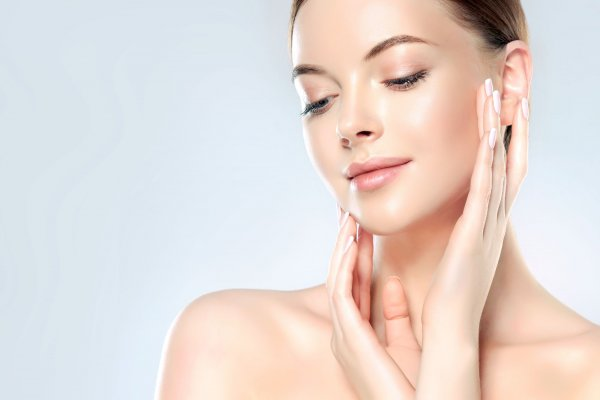 Face treatment with natural collagen
