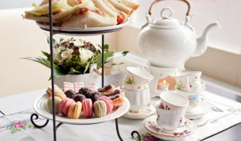 Jakubus Afternoon Tea with prosecco