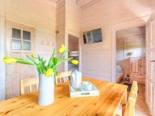Domek 5-osobowy z jacuzzi (2 sypialnie i salon)