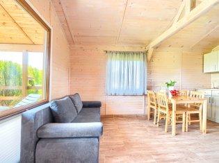 Domek 5-osobowy z jacuzzi (sypialnia i salon)