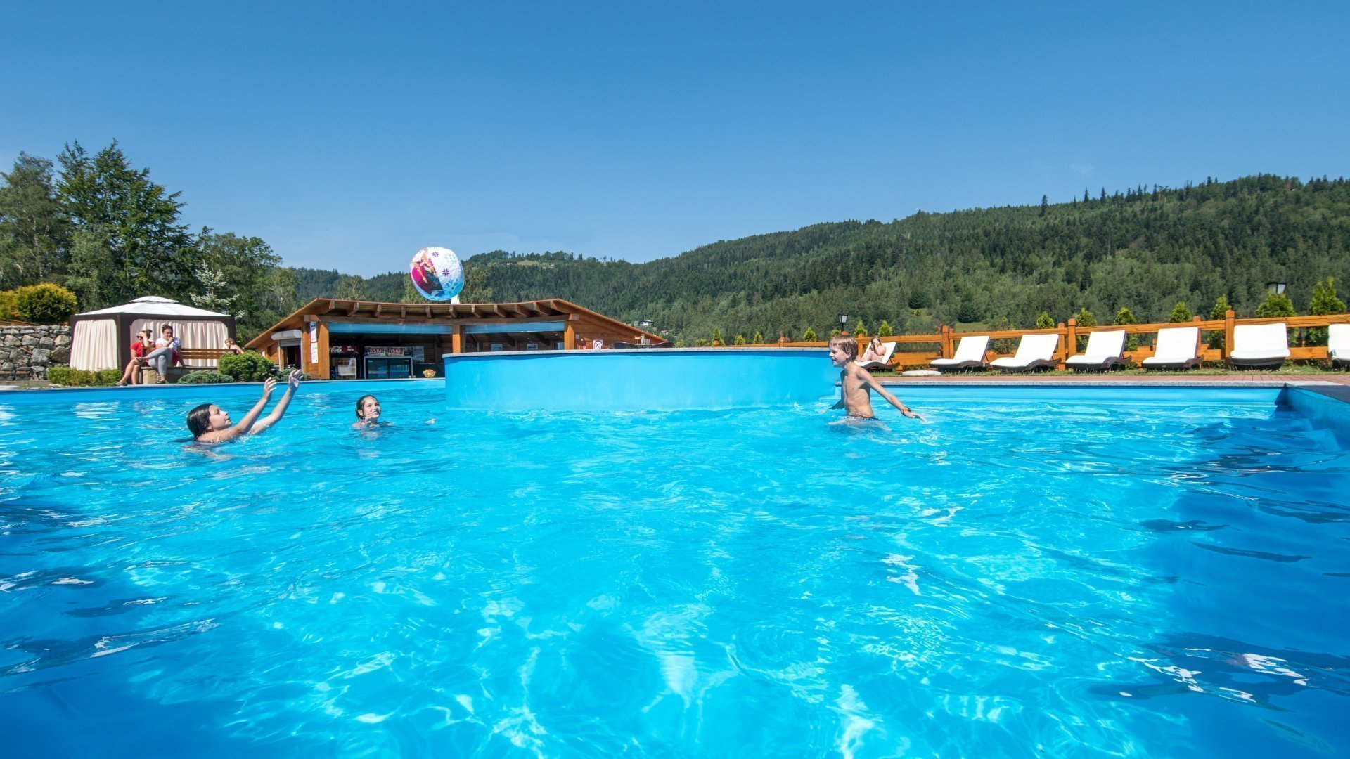 SUMMER IN THE MOUNTAINS – BURTSTING WITH ATTRACTIONS – children up to 5 years of age FREE OF CHARGE