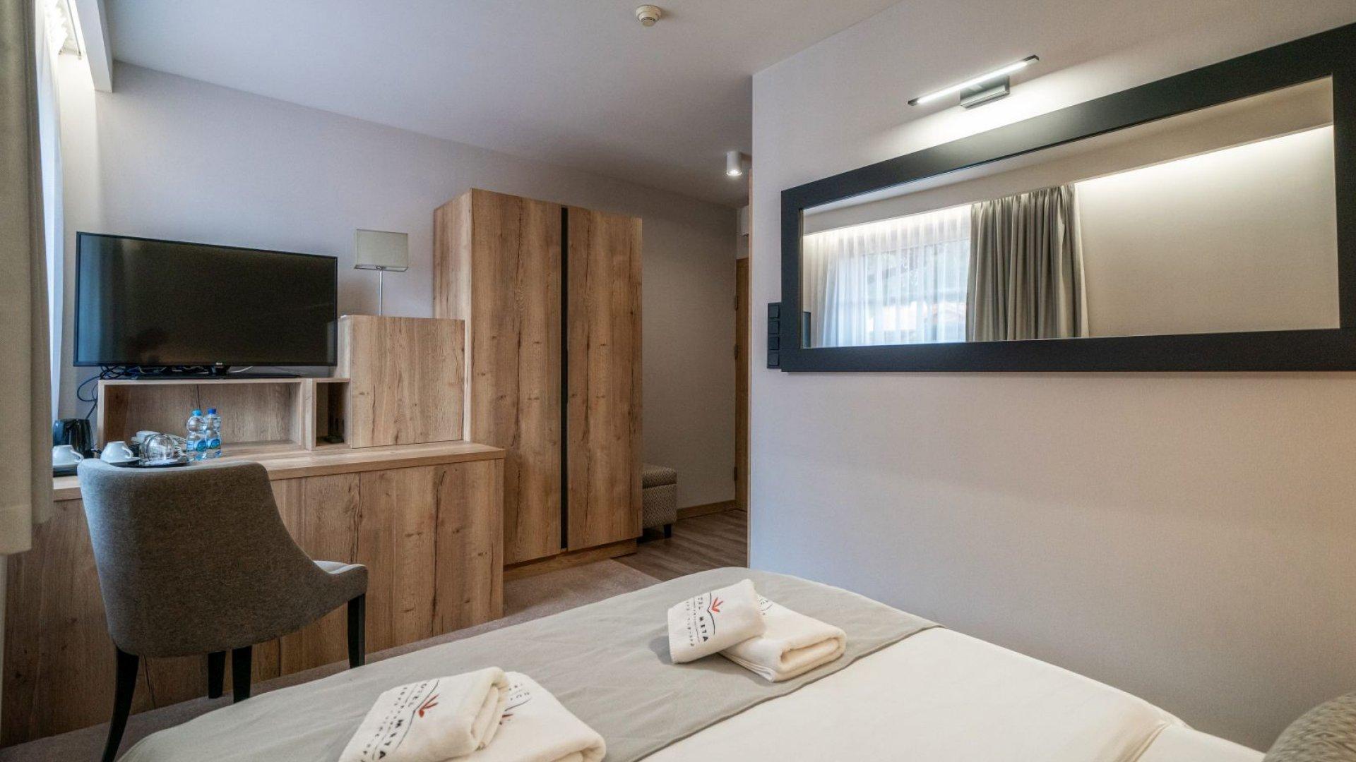 HOTEL META **** Pokój dwuosobowy standard