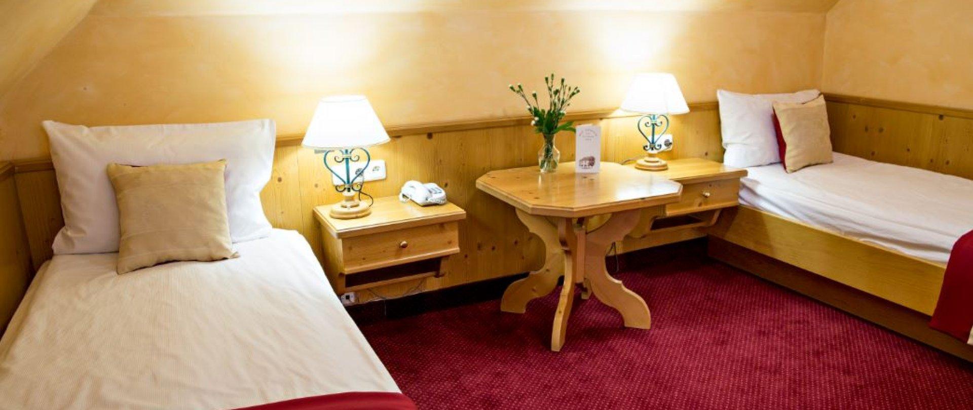 Standard z dwoma łóżkami