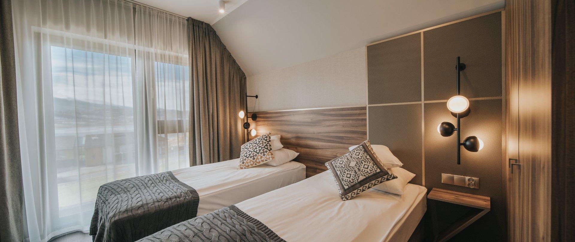 Apartament z oddzielną sypialnią z widokiem na Zalew