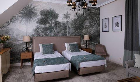 Dwuosobowy Deluxe (łóżko podwójne, dostawka)