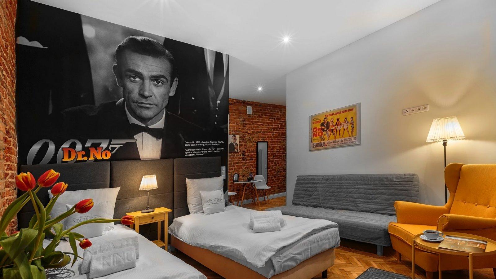 Cinema Room Jamesa Bonda | Twin