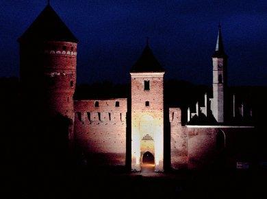Zaduszki z nocnym zwiedzaniem zamku